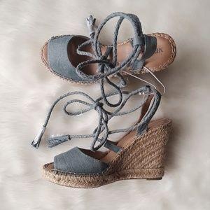 b3affee0df32 Merona Shoes - New MERONA Lace Up Denim Espadrille Wedge Sandals